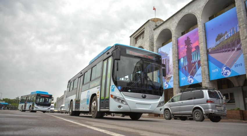 Новогодний экспресс: график работы общественного транспорта