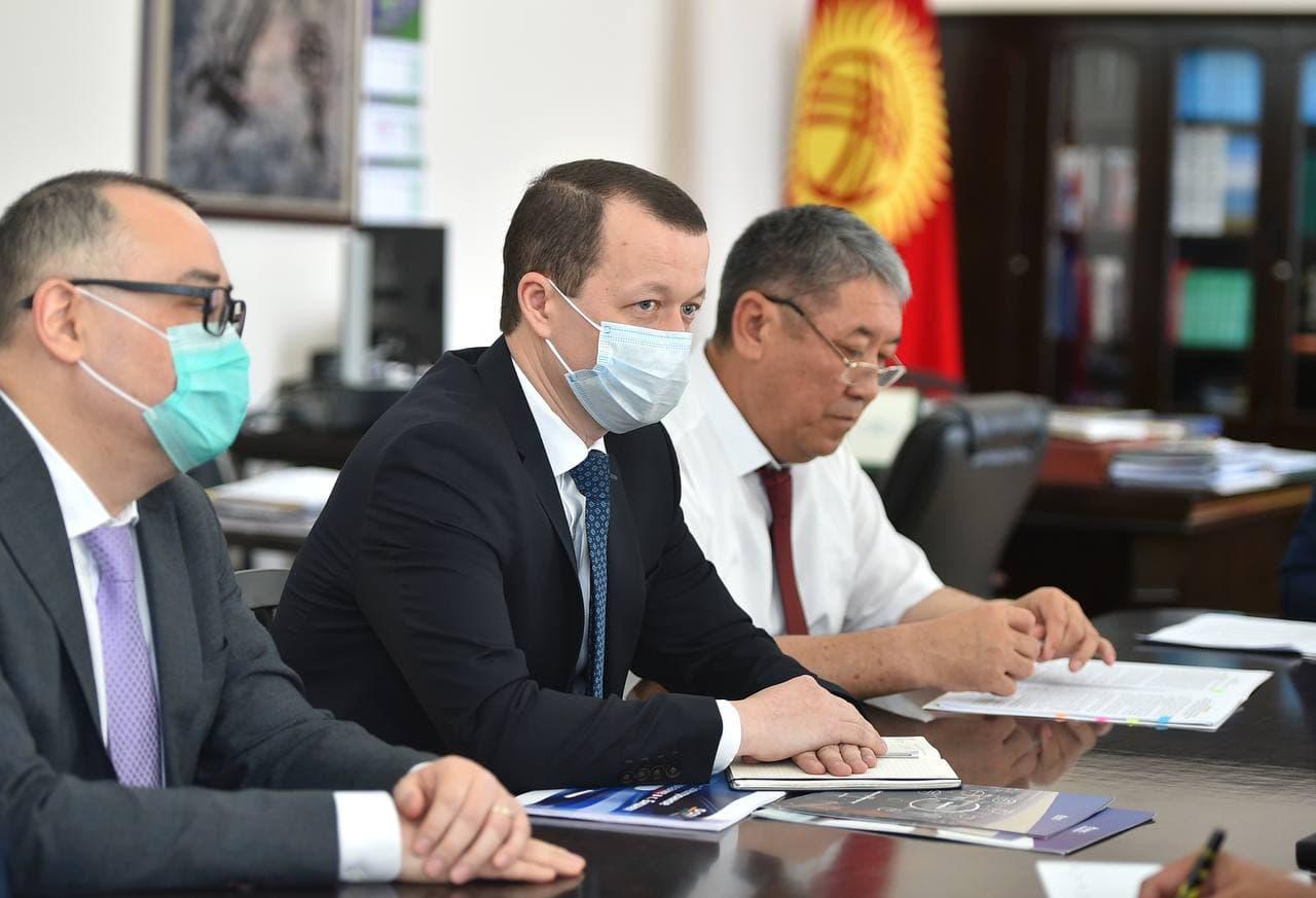 Улукбек Марипов и и.о. мэра города Бишкек Бактыбек Кудайбергенов обсудили городские проблемы