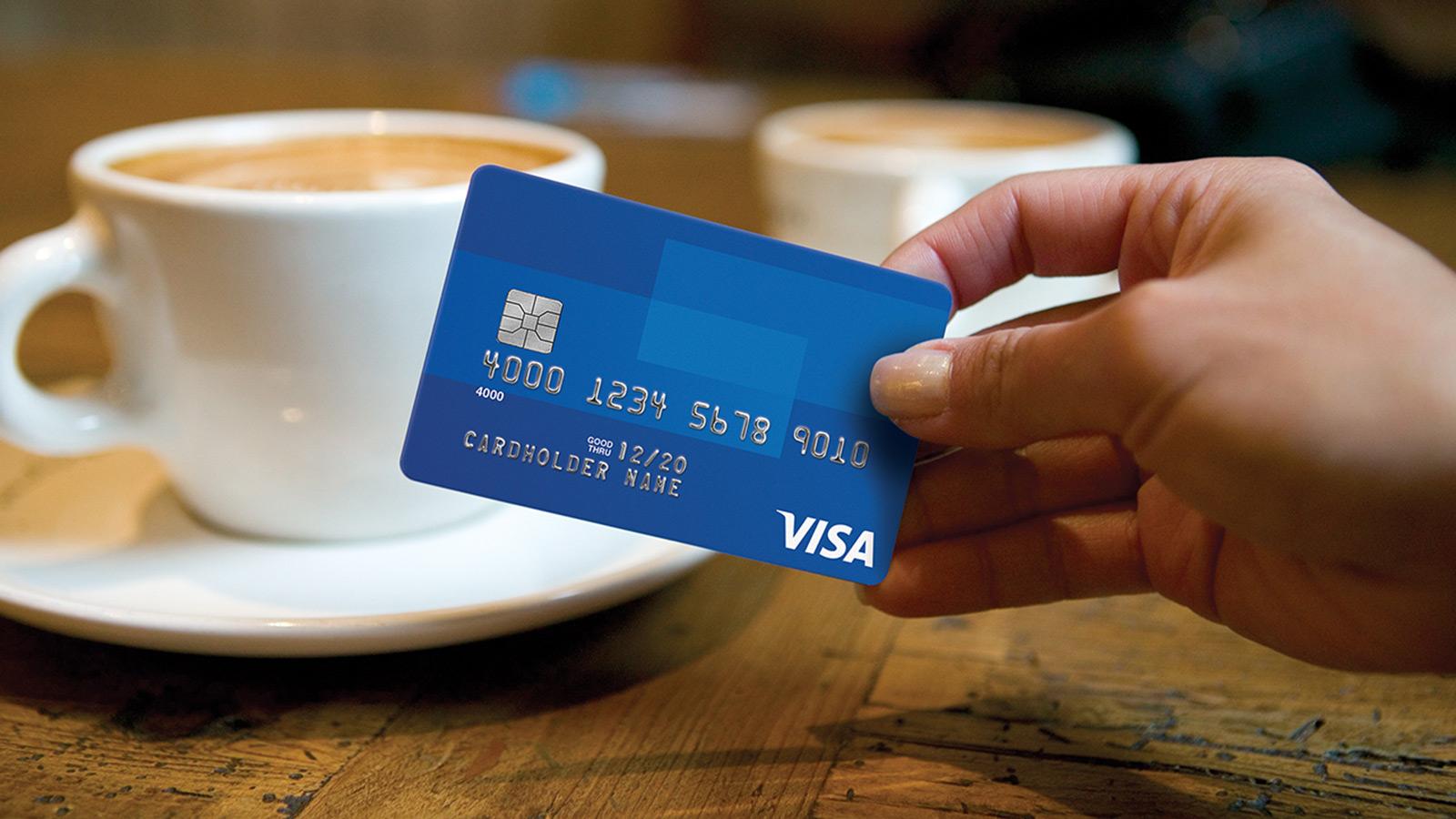 Теперь в общественном транспорте можно оплачивать банковскими картами Visa